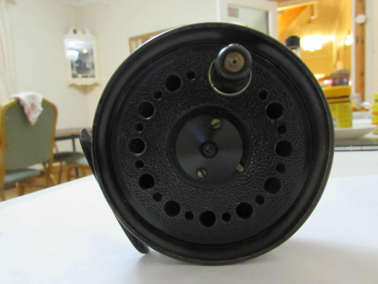 V good vintage youngs early beaudex trout fly fishing reel 3.5  + lineguard ..\