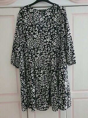 süßes Kleid Primark 48 damen blumen schwarz weiss ...