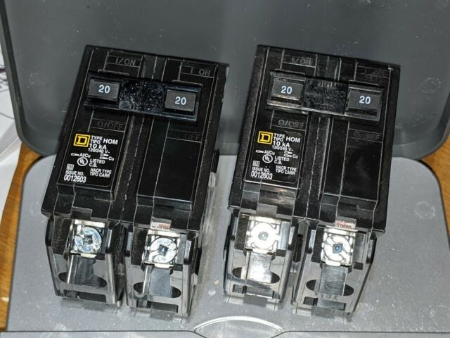 Lot of 4 15 amp circuit breaker Qot1515 brand new