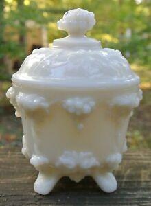 P-V-France-Portieux-Vallerysthal-White-Milk-Glass-Grape-Design-Lidded-Candy-Dish