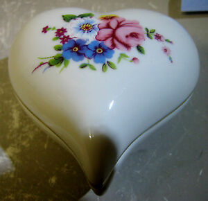 Japanese porcelain trinket box