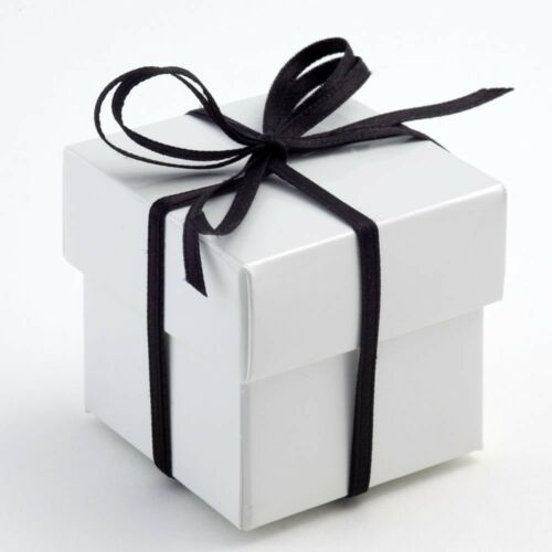 Pack of 10 Various Design White Glossy Wedding Party Gift Favour Boxes