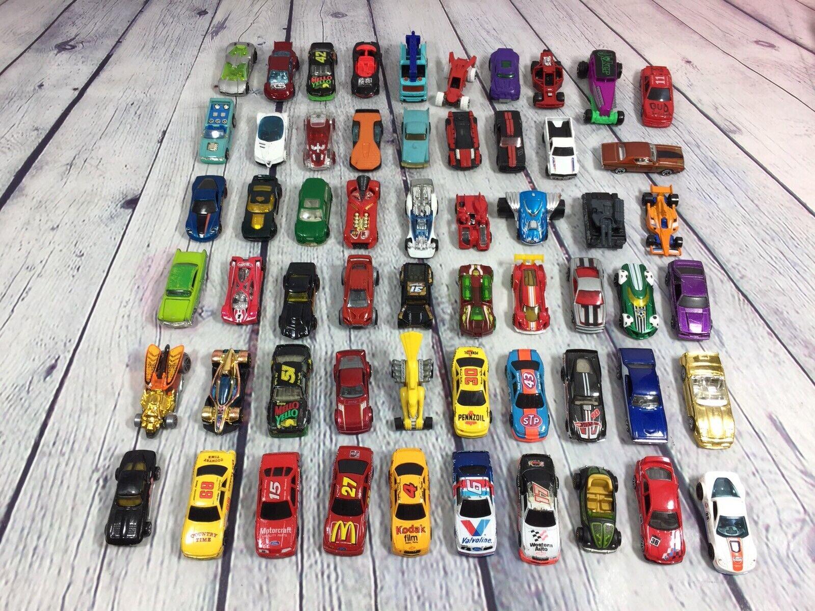 Hot Wheels Matchbox Lote De 55 piezas sueltas utilizado jugó con Camiones Coches de Juguete