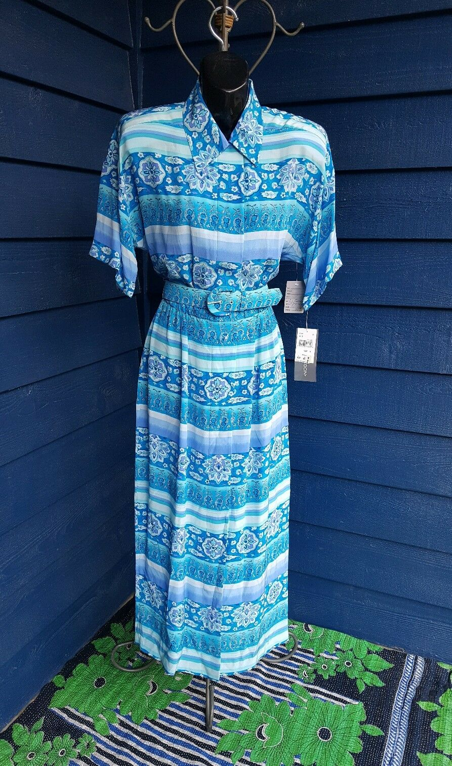 Maggy London Silk Dress 100% silk, bluee, purple, white floral striped NWT Med 6