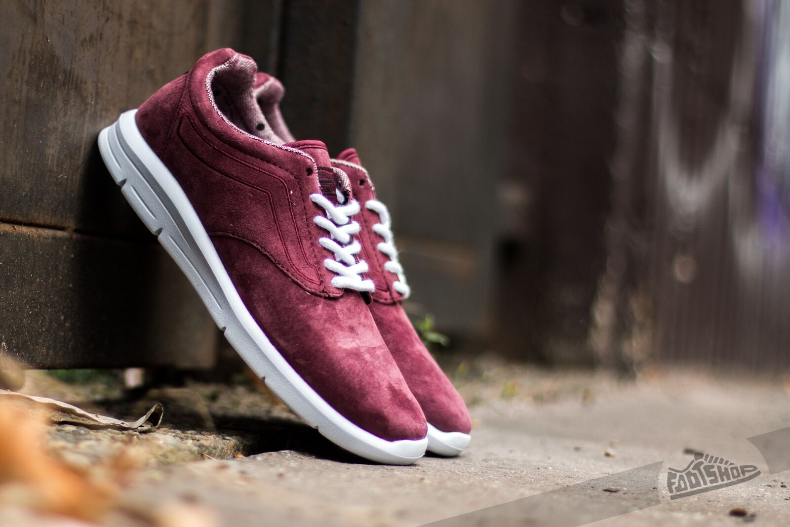 120029712a VANS ISO 1-5 Tweed Dots Womens Trainers Burgundy Shoes 3 UK for sale ...