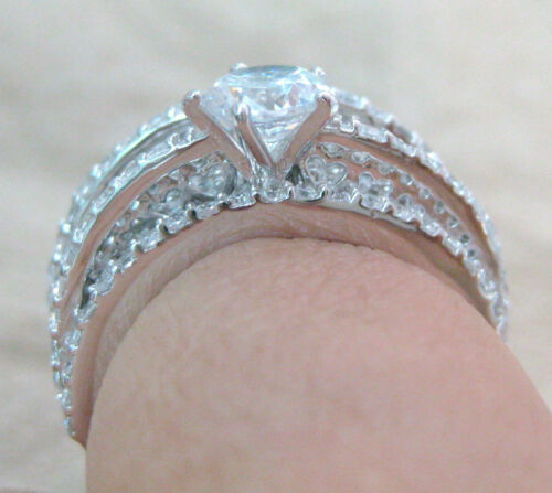 "WOMEN 925 STERLING SILVER /""Round CZ UNUSUAL/"" BRIDAL SET Engagement /& Wedding"