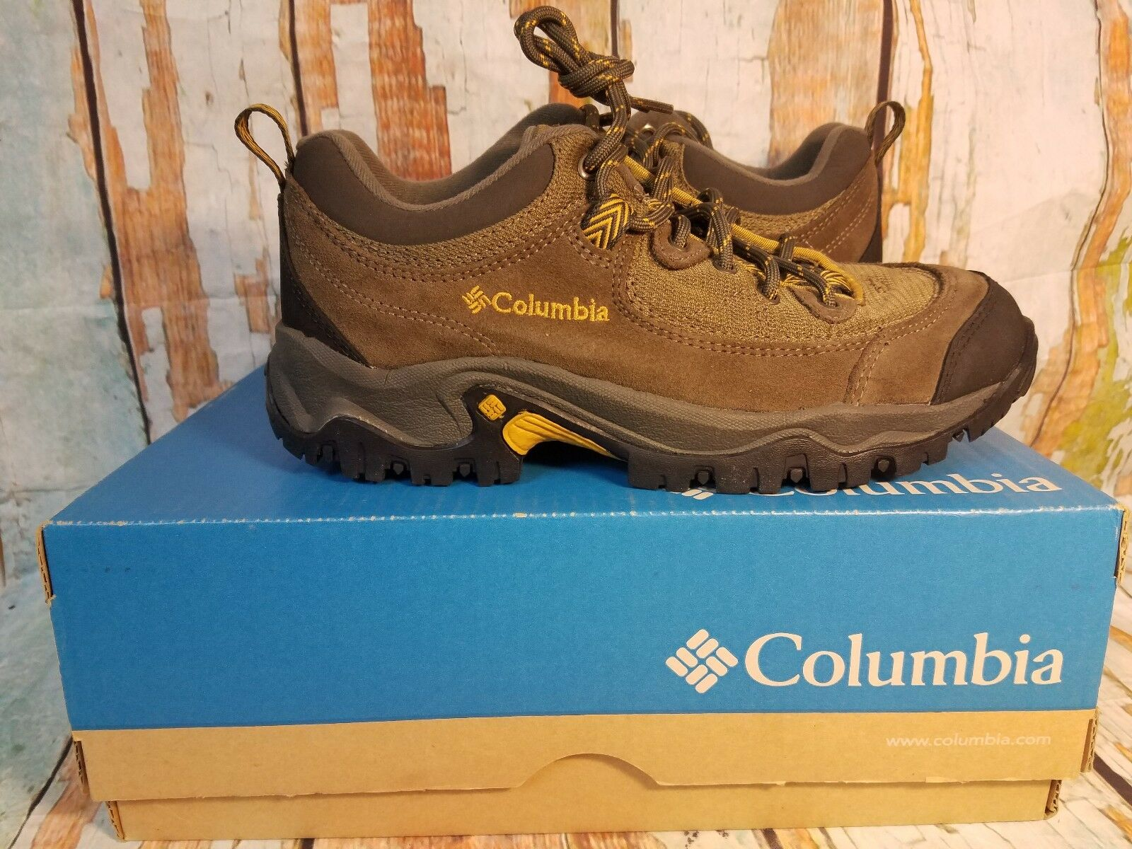 Columbia Birke Trail shoes-Men's size 8 Mud New in Box