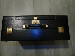 mallette-de-voyage-en-cuir-noir-vintage
