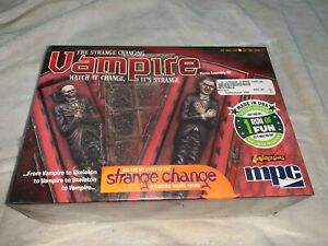 MPC-THE-STRANGE-CHANGING-VAMPIRE-PLASTIC-MODEL-KIT-FACTORY-SEALED
