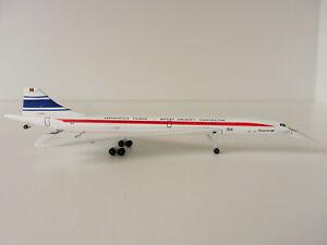 CONCORDE-50-YEARS-1-500-Herpa-533607-Aerospatiale-France-NOSE-DOWN-British