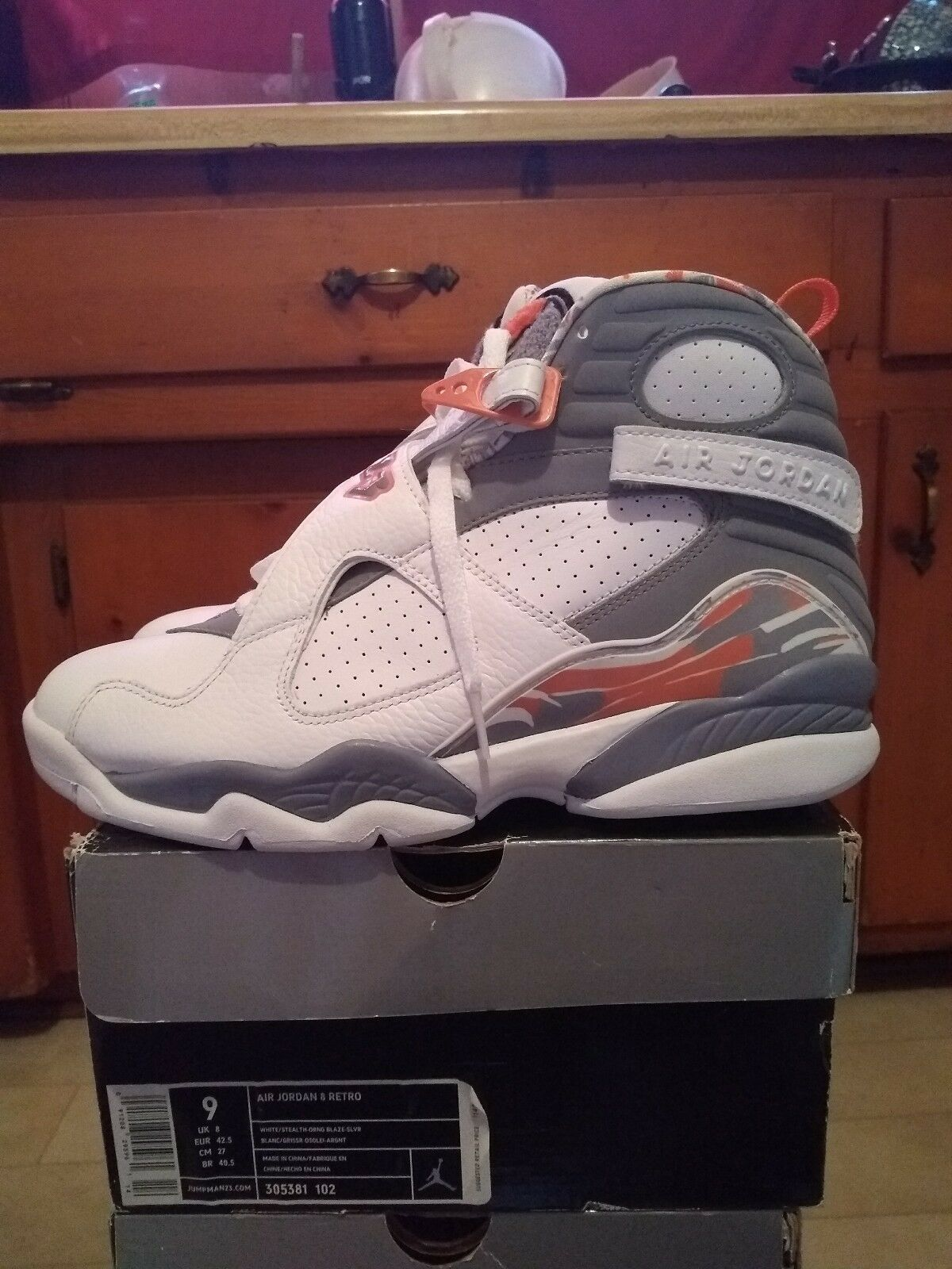 Jordan 8 Stealth orange White Size 9 VNDS