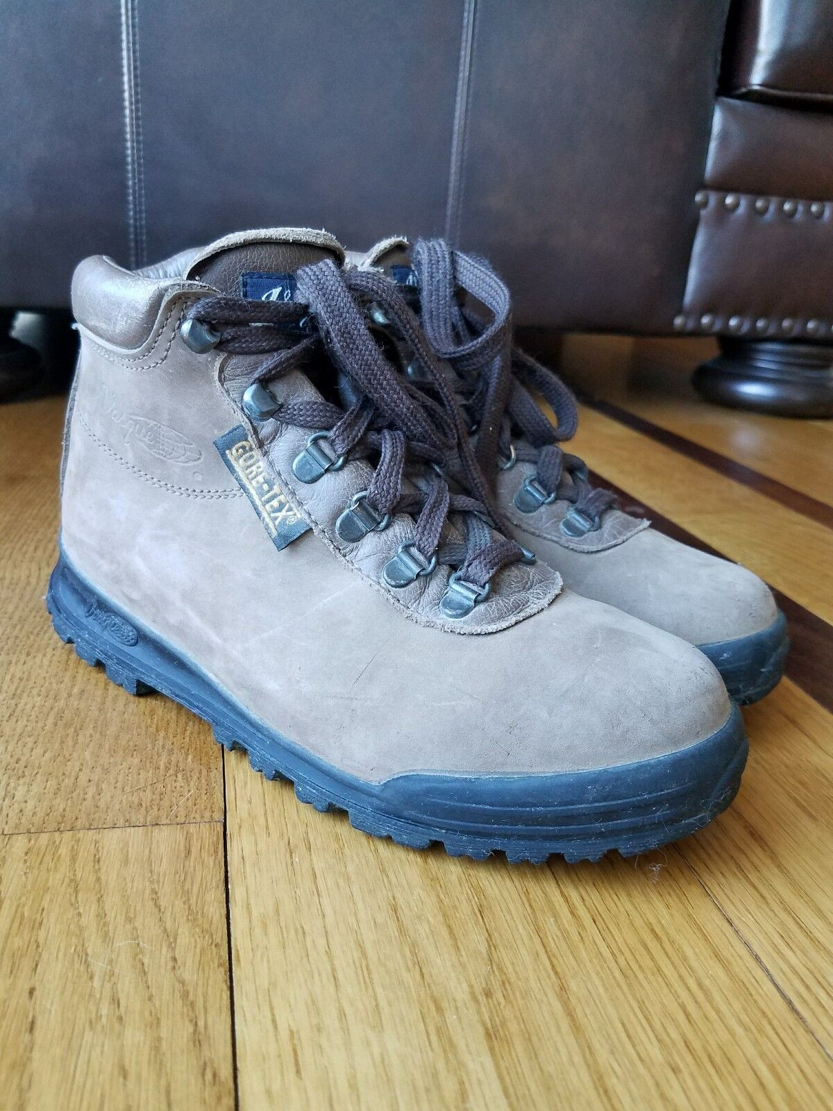 Vasque Woman's Skywalk Brown Leather Gore-Tex  Hiking Ankle Boot 7.5M 7931
