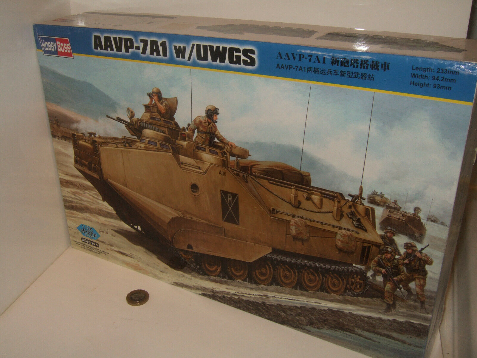 Hobby Boss 82412 AAVP-7A1,  w   UWGS, Amphious Assault Craft Kit in 1 35 Scale