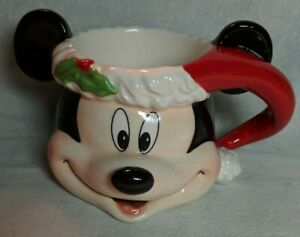 Disney-Parks-Mickey-Mouse-Santa-Hat-Christmas-Holiday-mug-G7955860311180