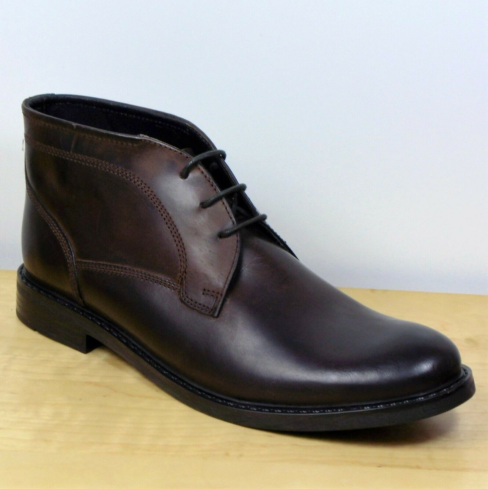 M&S Gents REAL LEATHER Lace Up CHUKKA BOOTS  Size 7  BROWN