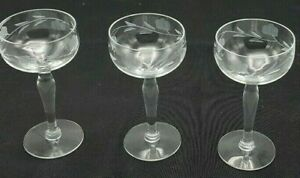 Vintage-10-Sherry-Cordial-amp-Liqueur-Glasses-Etched-With-Floral-Design