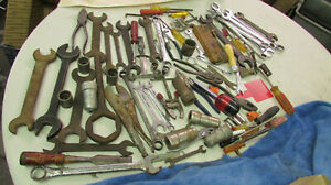 Vintage-Woodshop-Mechanic-wrenches-sockets-tools-men-039-s-art-mixed-Junk-Drawer-Lot
