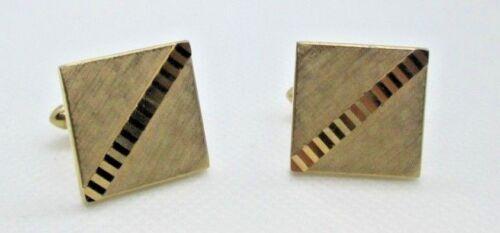 Gold Tone Triangle w Etched Strip Design Tie Tac Tack