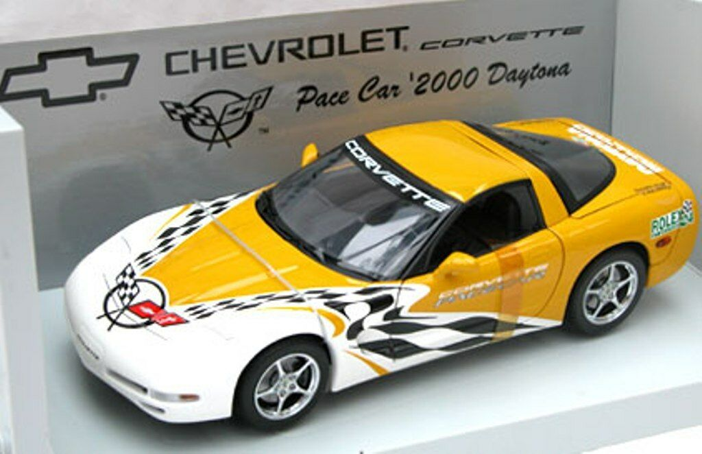 UT MODELS 30041 CHEVROLET CORVETTE model Pace Car 2000 24hr Daytona 1 18th scale