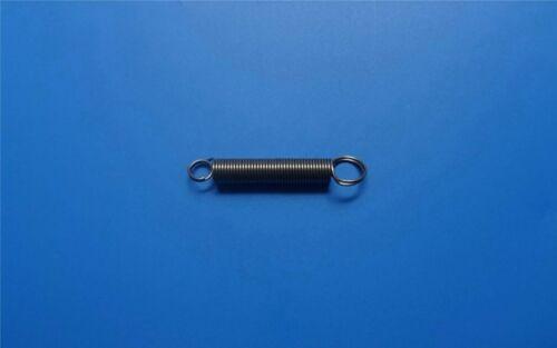 Zugfeder mit Doppelösen Draht Ø0,55 mm Länge24 mm Außen Ø 5,2 mm