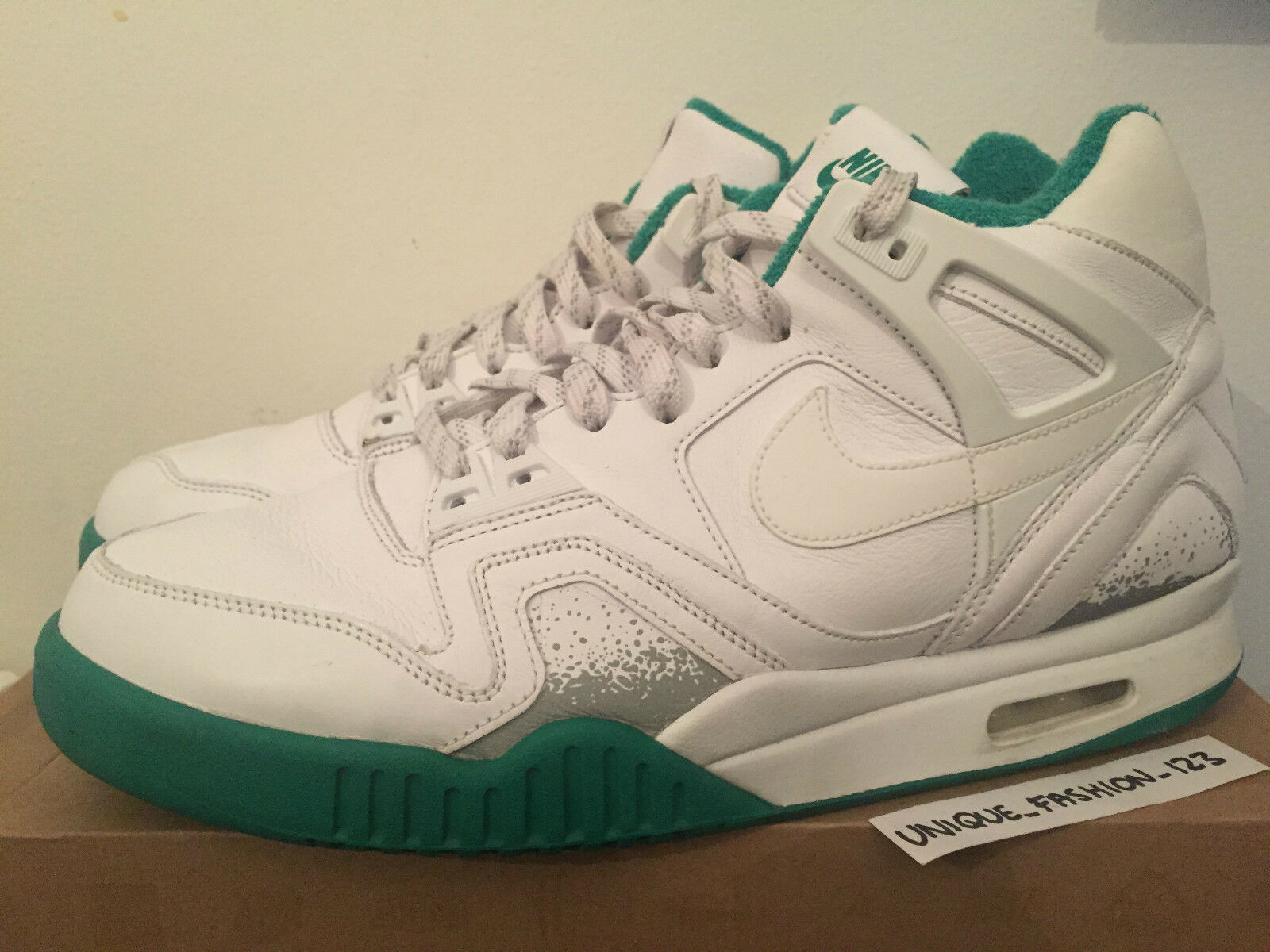 NIKE AIR TECH CHALLENGE 2 WIMBLEDON US 11 OPEN SP AGASSI  WHITE GREEN