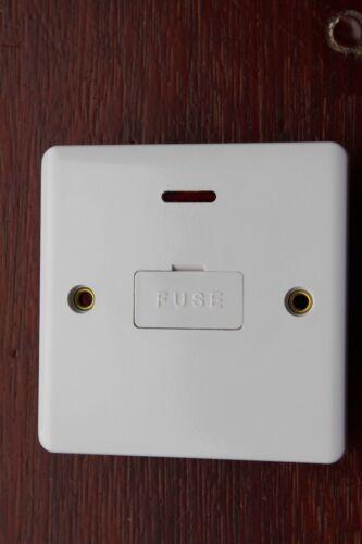 Néon Blanc Un électrique SS40004UK Super Slim 13 A DP Fused éperon Interrupteur