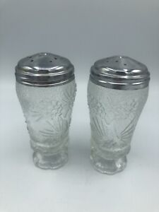 "Vintage TIARA Glass Ponderosa Pine Salt & Pepper Shakers 5"" Pine Cone/Needles"