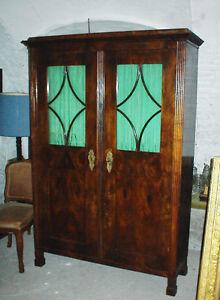 Biedermeier Bücherschrank, Glasschrank, Vitrine, Sprossen im Glas, Nuss, um 1820