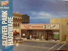 Walthers Cornerstone HO #933-3465 Glover Park Hardware K9 (Building Kit)
