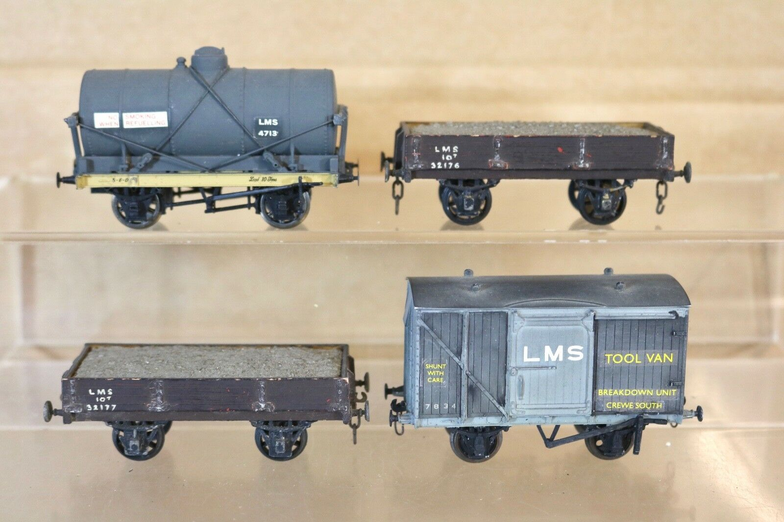 KIT BUILT OO GAUGE RAKE of 4 LMS TANK BREAKDOWN CREWE NORTH & OPEN WAGON nq