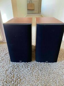 Bowers & Wilkins B&W 685 speakers in Red Cherry finish, excellent condition