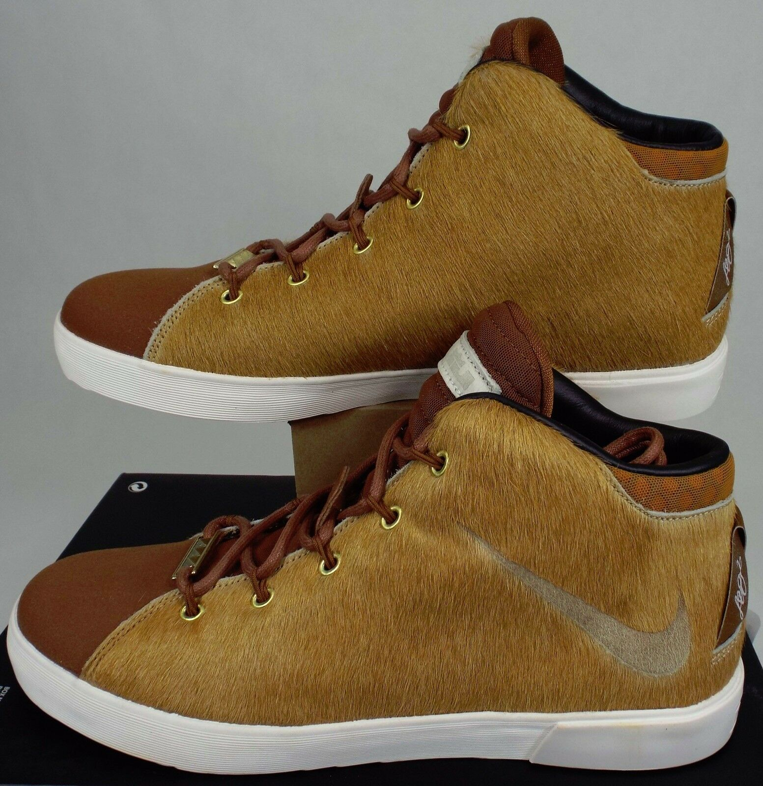 New Hommes 8 NIKE Lebron QS XII NSW Lion Lifestyle QS Lebron Brown Chaussures 716418-200 63ad95