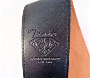 FENDER-GUITAR-STRAP-FENDER-BADGE-DIAMOND-ANNIVERSARY-BROWN-OR-BLACK