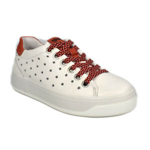Scarpe-IGI-amp-CO-Sneakers-in-pelle-bianca-dettagli-rosso-decoro-a-stella-5157322