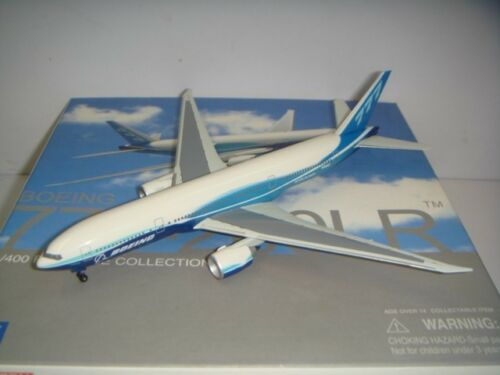 "Dragon Wings 400 Boeing Aircraft Company B777200LR ""Dreamliner color"" 1400"