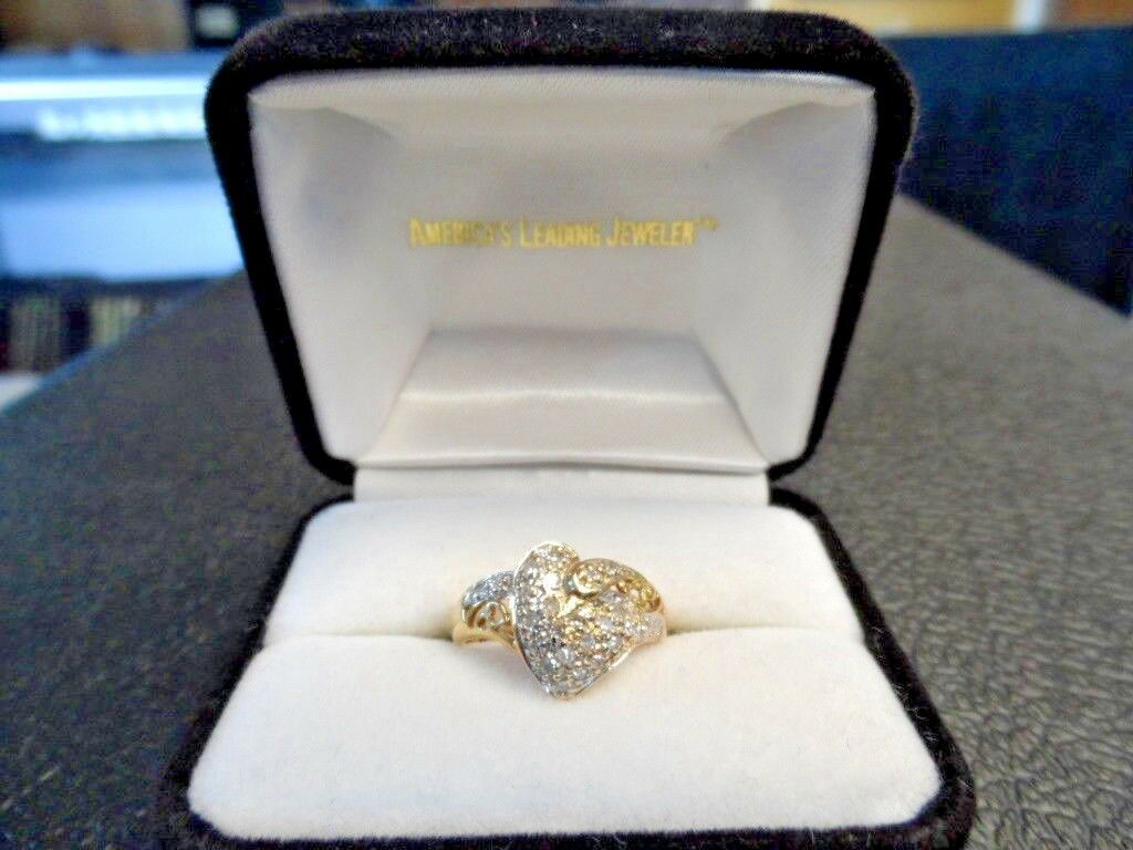 14 Kt Yellow gold .25 TCW Diamonds Heart Shaped Ring 3.7 Gr. Size 6.5