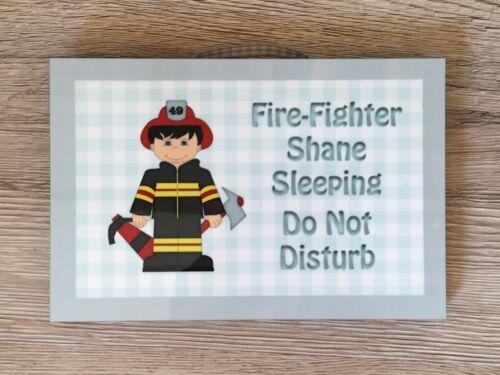 Fire Fighter Sleeping Métal//Bois Chambre à coucher signe porte plaque murale Ajouter Du Texte//Nom