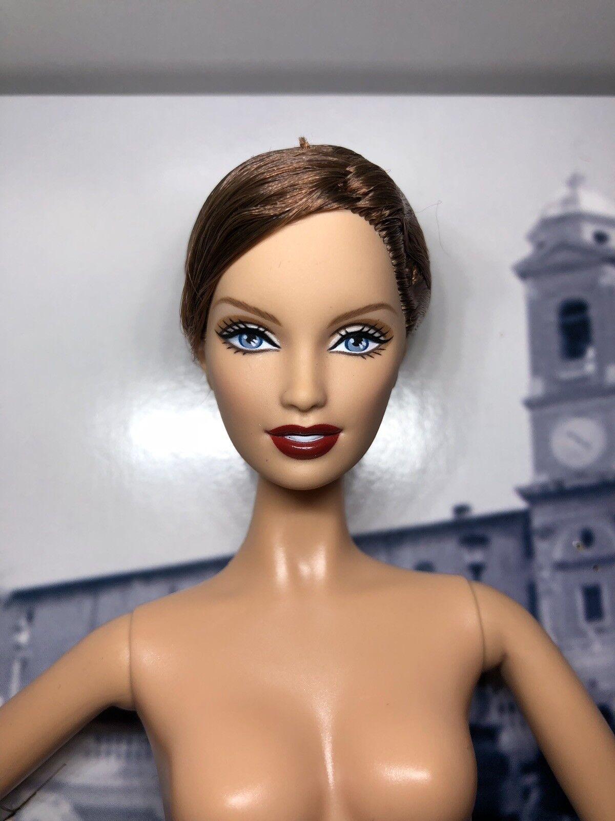 2005 Colector De Mattel Muñeca Barbie desnuda oro Label Ferrari, soporte, certificado de autenticidad H6466
