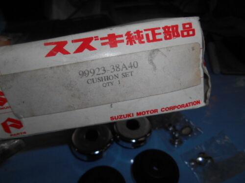 NOS Suzuki OEM Handlebar Handle Cushion End Cap VS800 99923-38A40 QTY 4