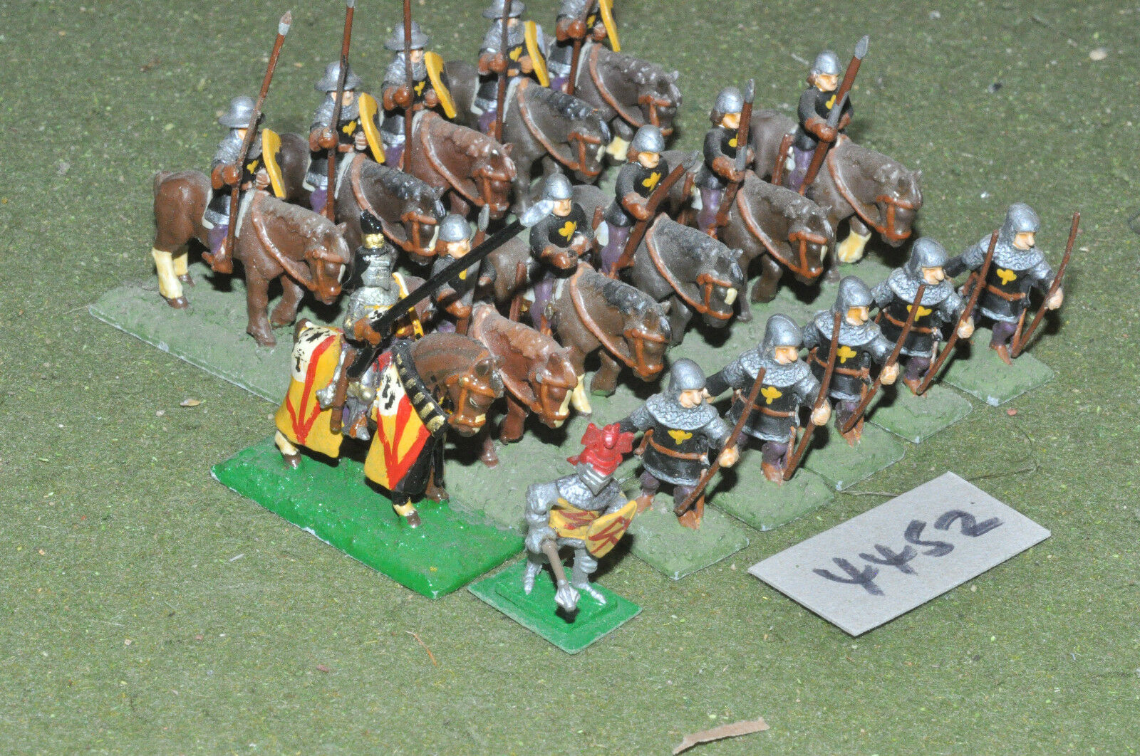 25mm medieval   generic - retinue 6 infantry 11 cav metal painted - inf (4452)