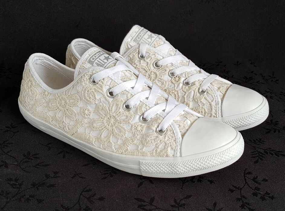 CONVERSE LIMITED EDITION WHITE CREAM LACE TRAINERS PUMPS SIZE 6