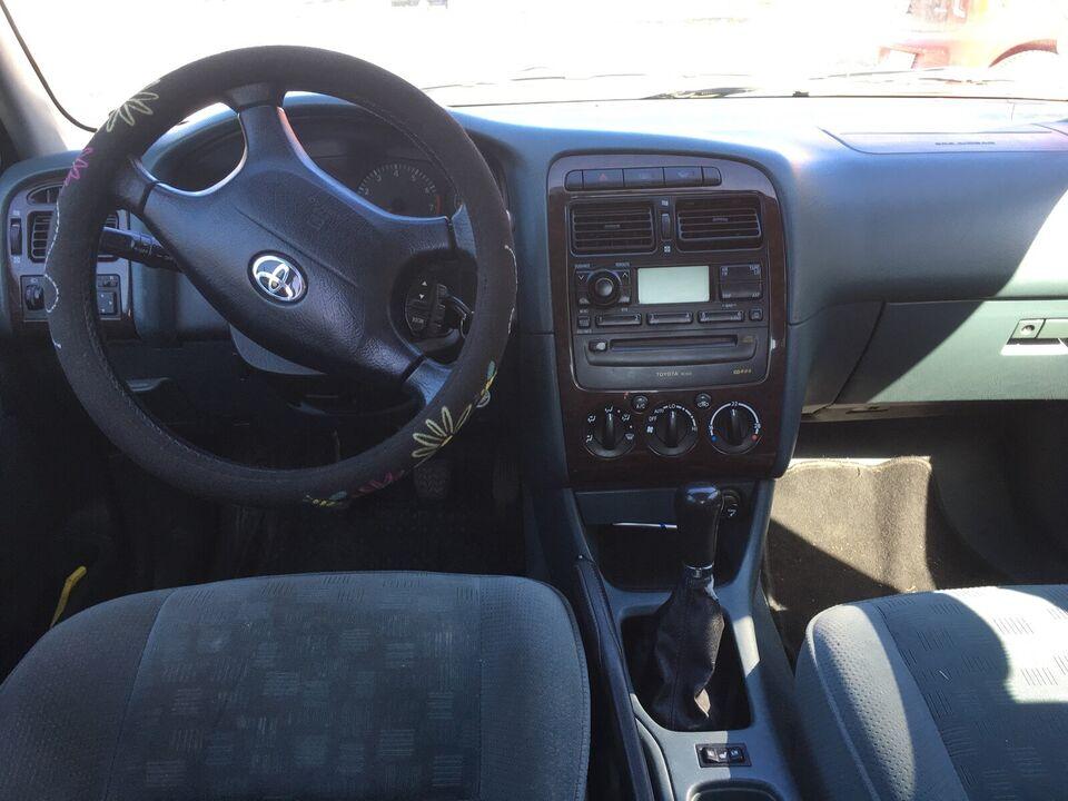 Toyota Avensis 1.8. 2001