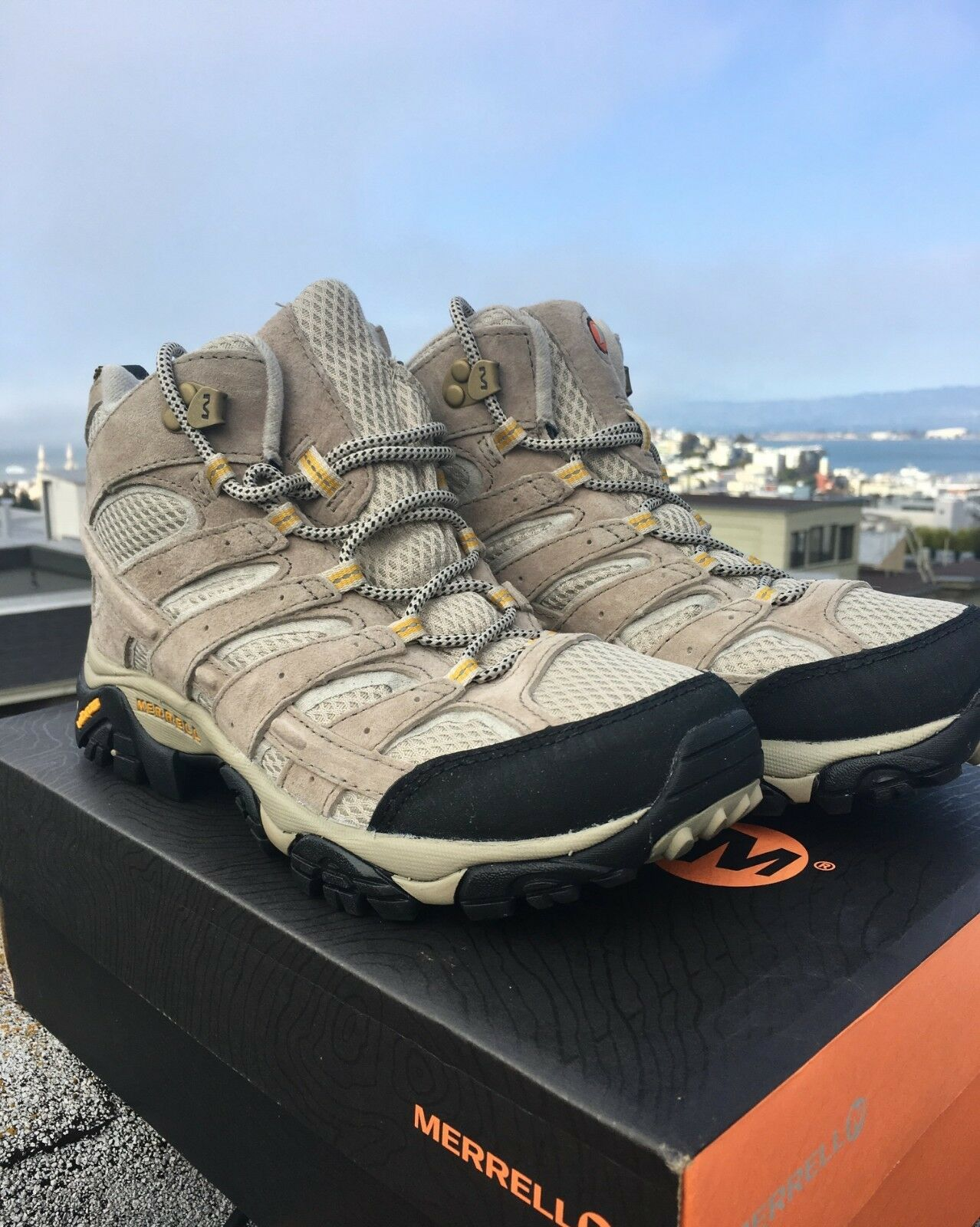 Merrell Women's Moab 2 Vent Mid Hiking Boot - Size Size Size 8 (New with box) - Taupe 5be1cc