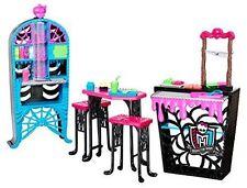 Monster High Social Spots Creepateria Classrooms School house Furniture.