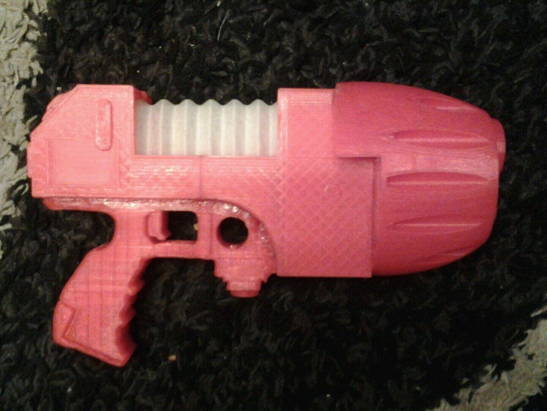 Warhammer 40k full size plasma pistol. Cosplay space marine