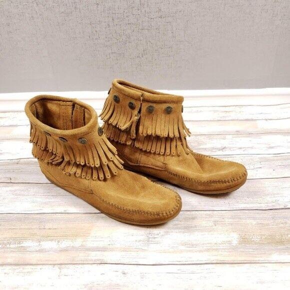 Minnetonka Women's Double Fringe Side Zip Boot Tan Suede Size 7.5