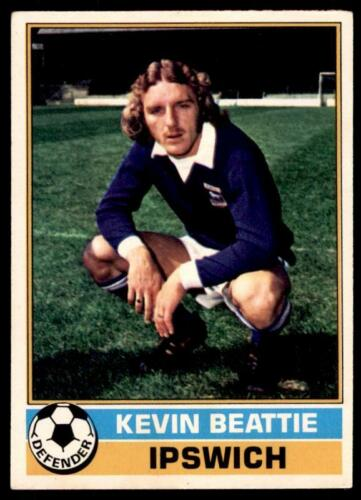 B1 Topps Football Red 1977 Kevin Beattie Ipswich Town No 60