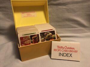 Vintage-BETTY-CROCKER-Recipe-Card-Library-Yellow-Plastic-1971