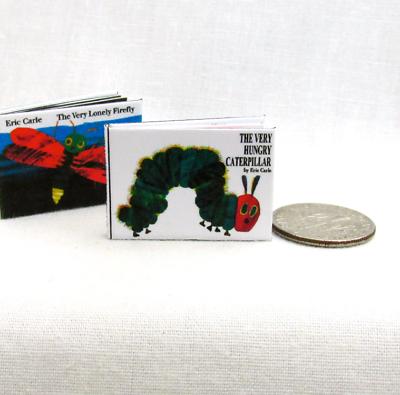 The Very Hungry Caterpillar Illustrato Miniatura 1:12 Scala Readable Libro Una Grande Varietà Di Merci