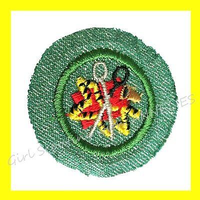 HOUSEKEEPER 1960-62 ONLY Intermediate Girl Scouts EUC Badge Patch Crossed Keys